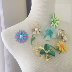 Vintage 7 Colorful Enamel Flower Brooch Lot